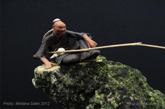 pecheur figurine penjing et bonsai, comment faire kokedama