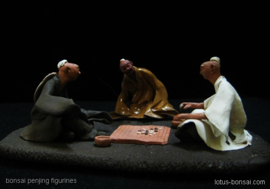 mudmen penjing figurines: chess players