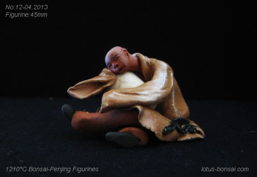 mudman figurine penjing