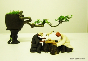 figurine-bonsai-chess-players
