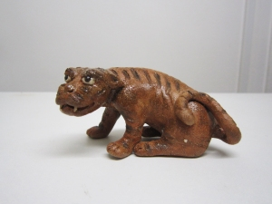 lotus-figurine-netsuke-tiger-bonsai